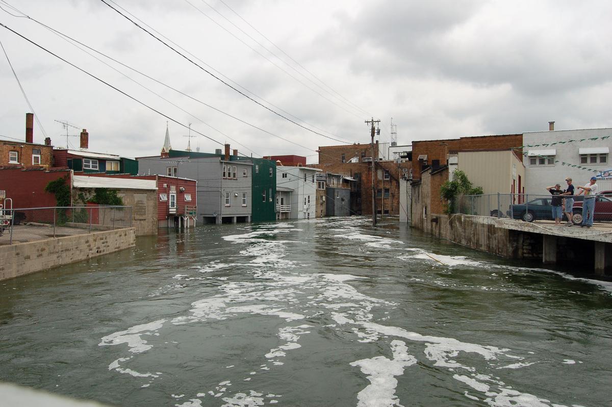 061418-ctzn-news-flood006