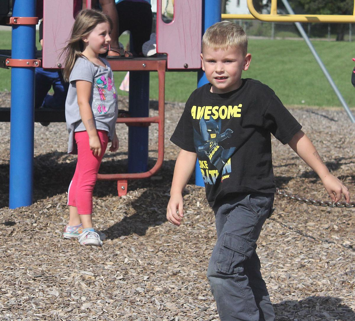 Kids Need Play And Recess Their Mental >> Beyond The Classroom Schools Find Value In Recess Regional News