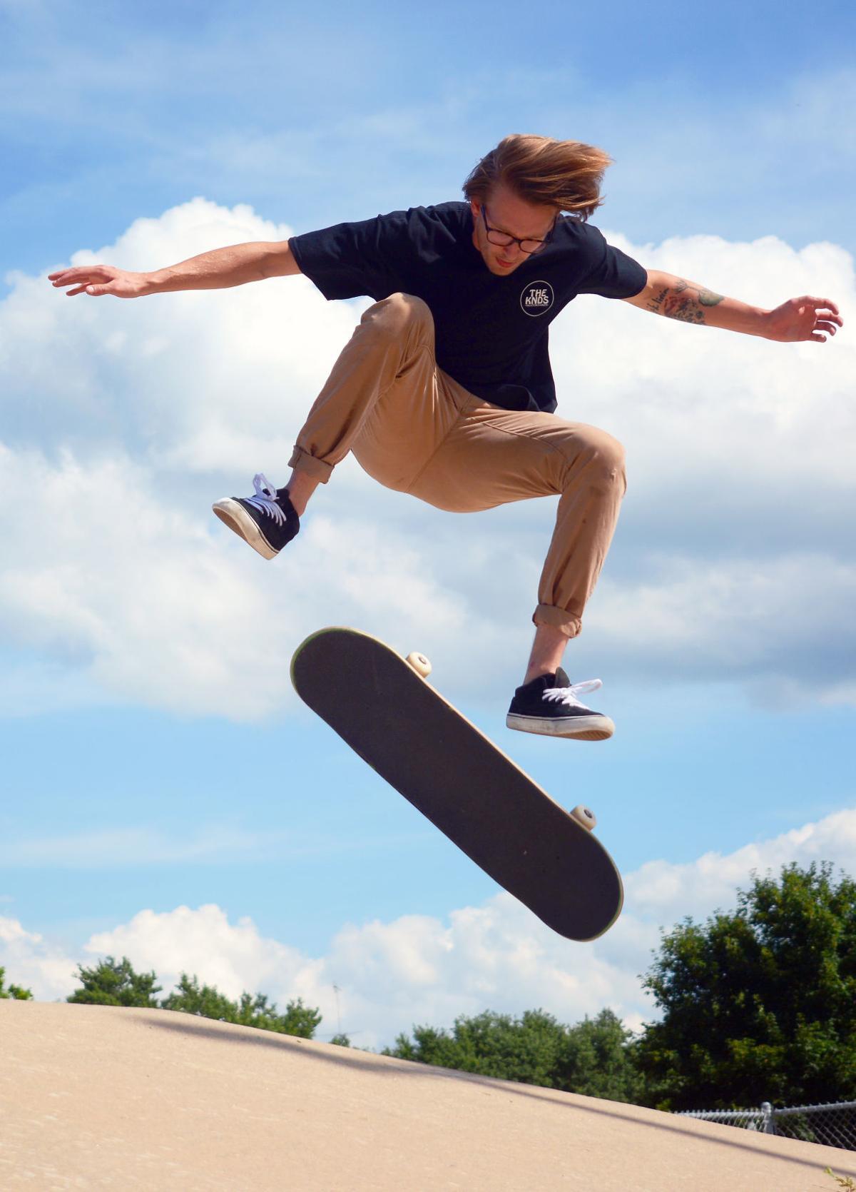 Trent Maxwel skateboarding (copy)