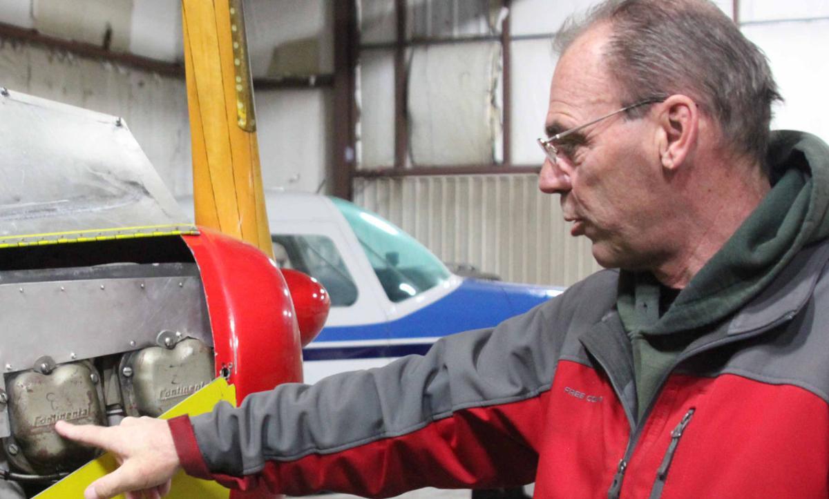 Tom shows aircraft 3