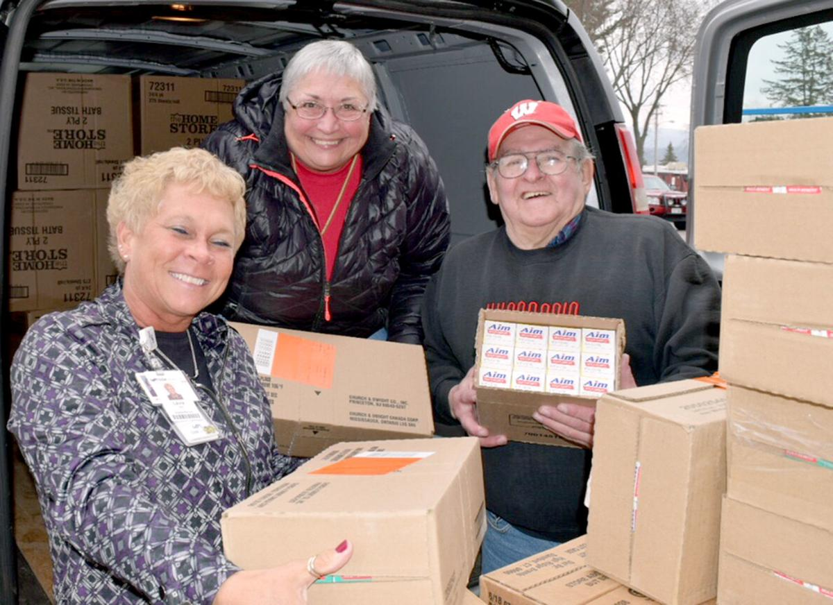 Wisconsin Dells Food Pantry donation