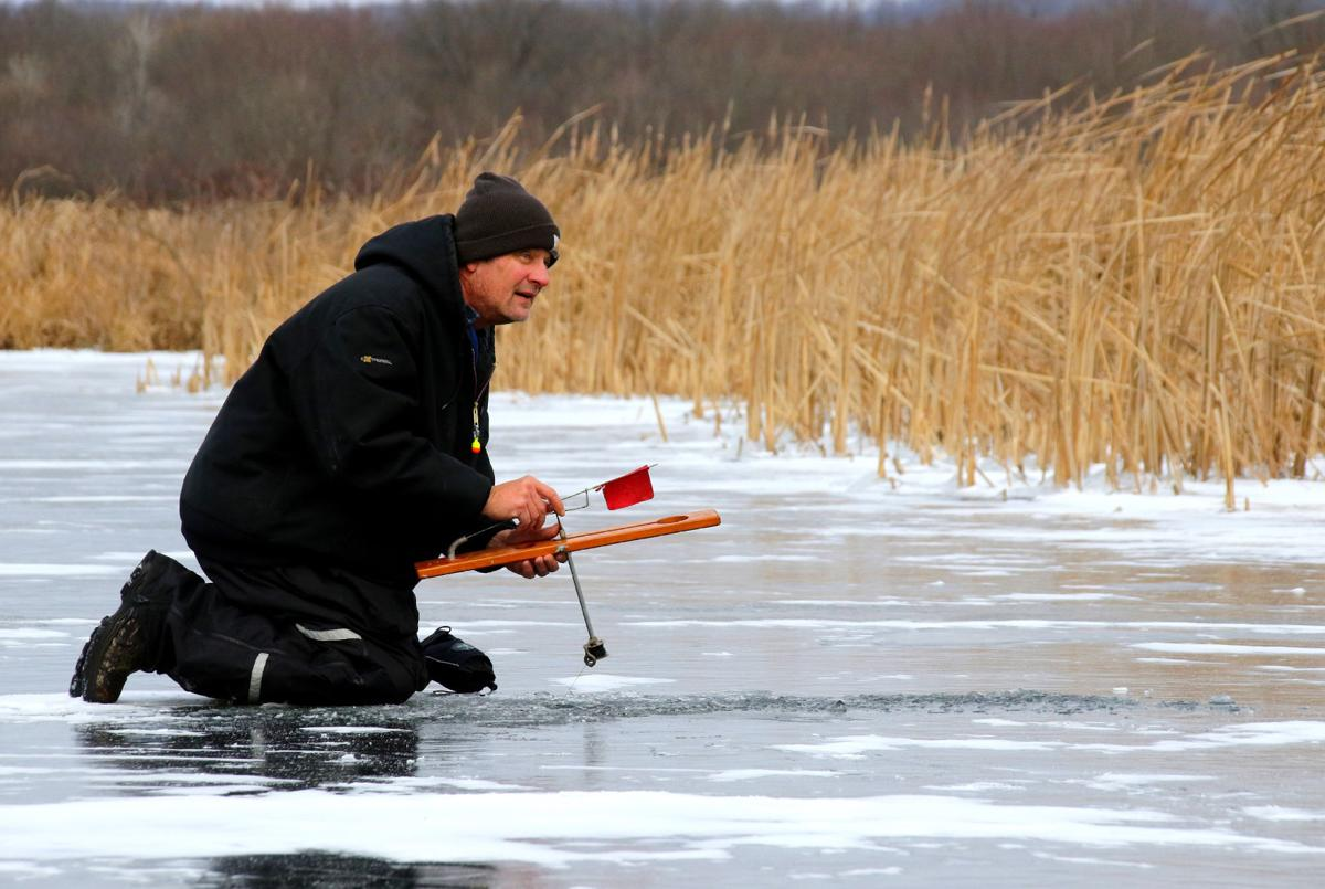 Tip up fishing
