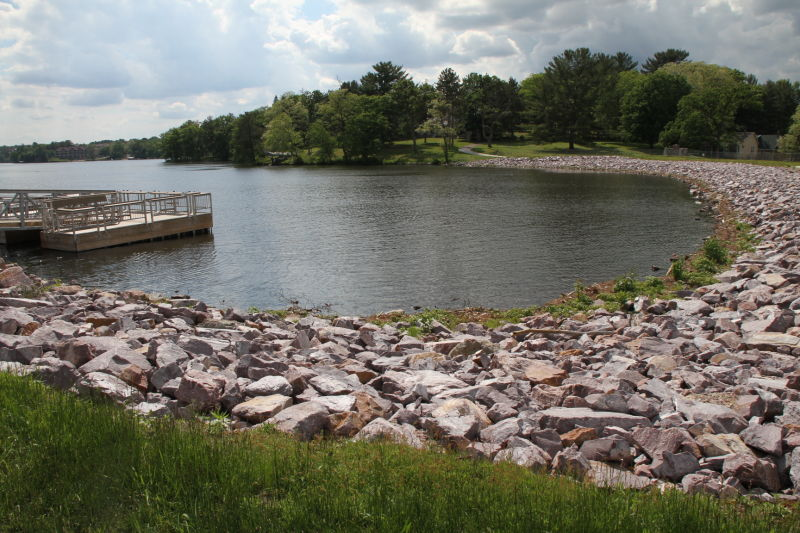 6_10 Lake Delton Fishing pier.JPG