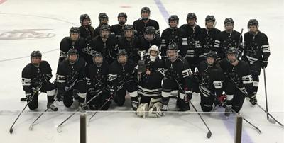 Fond du Lac/Beaver Dam Girls Hockey Team Wins Conference