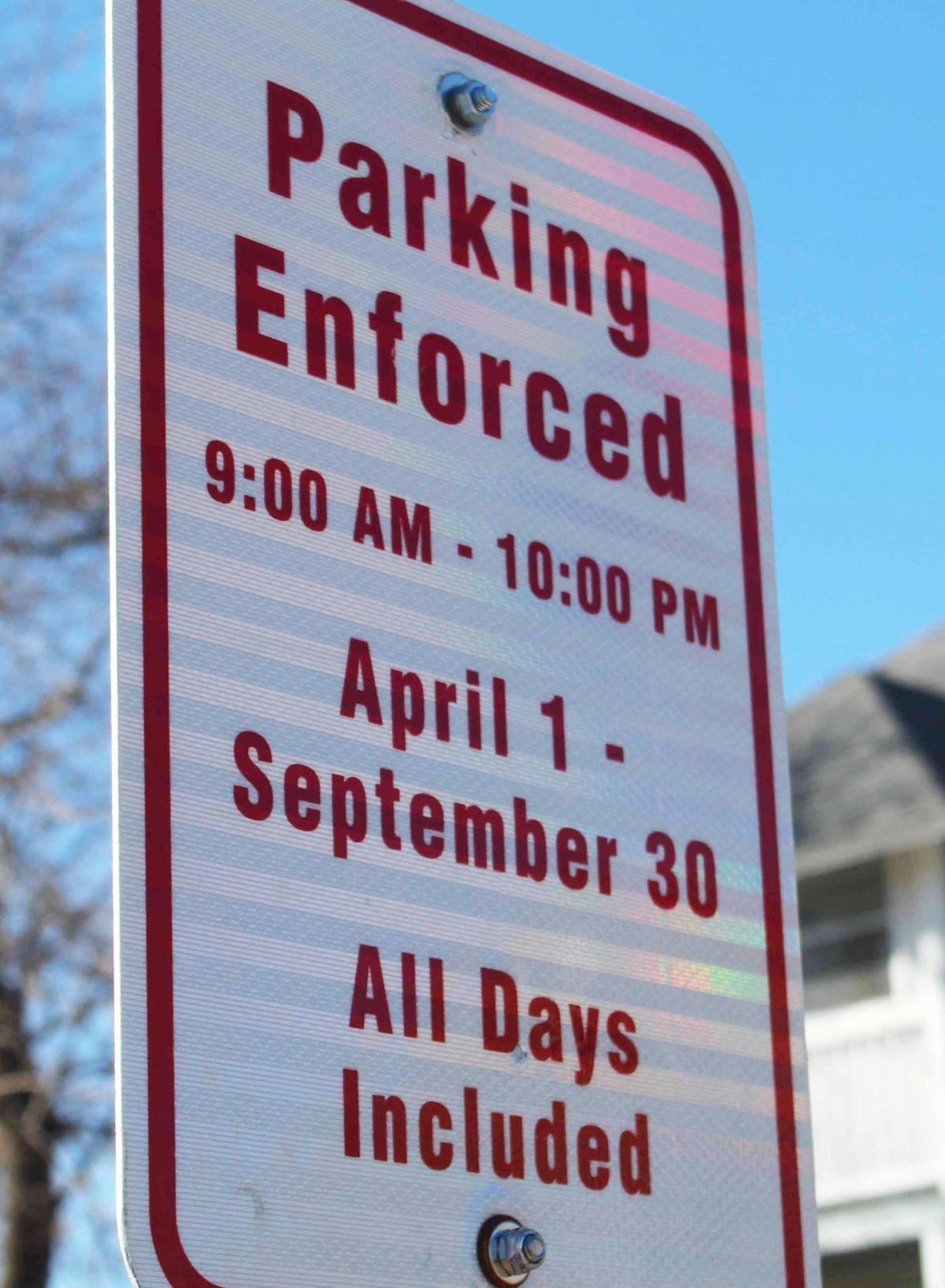 Wisconsin Dells parking enforcement sign