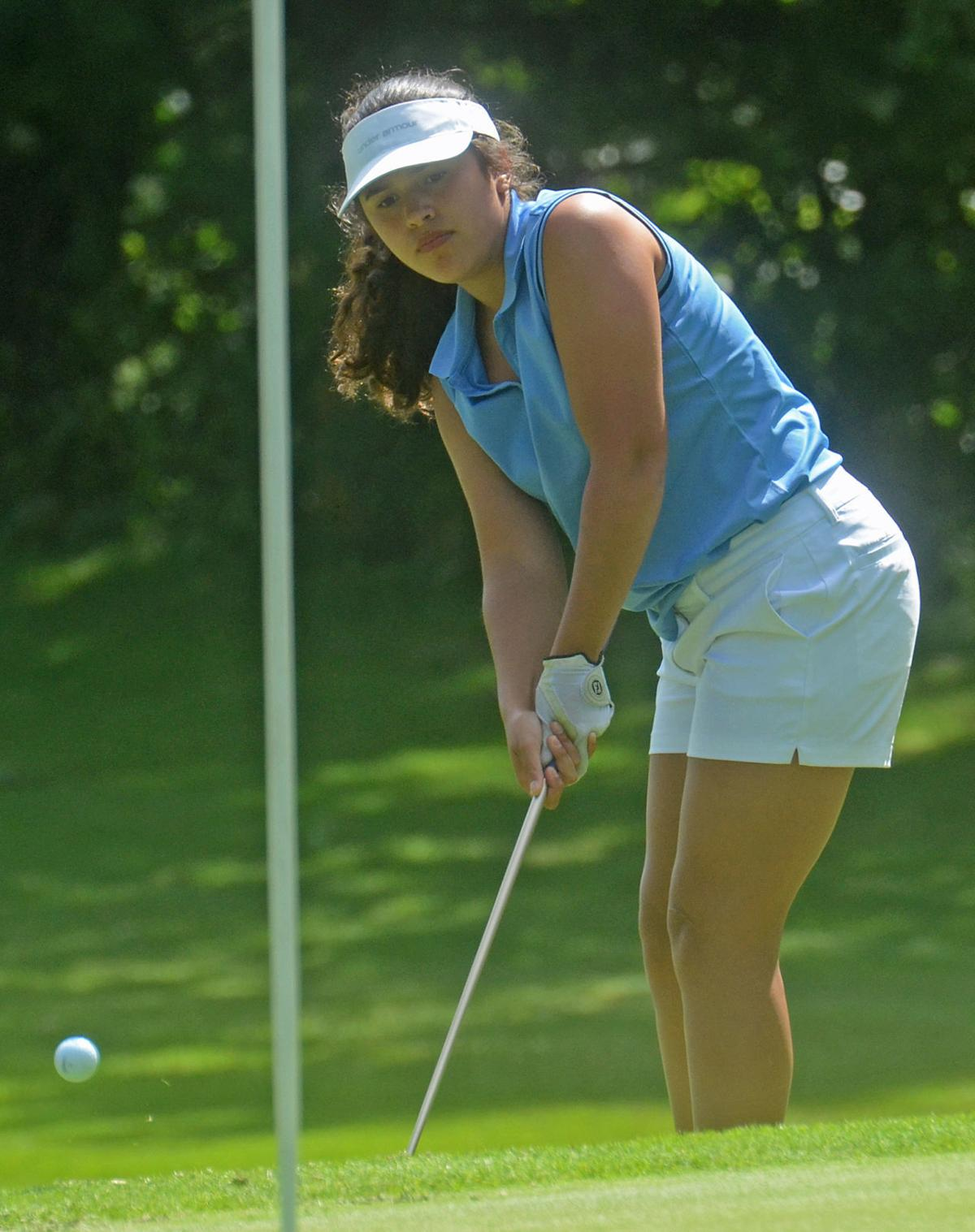 Maura Alvarez eighth hole (copy)