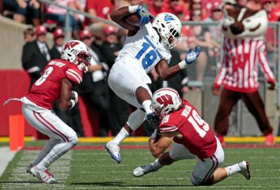 badgers football wisconsin defense finishes strong after humbling