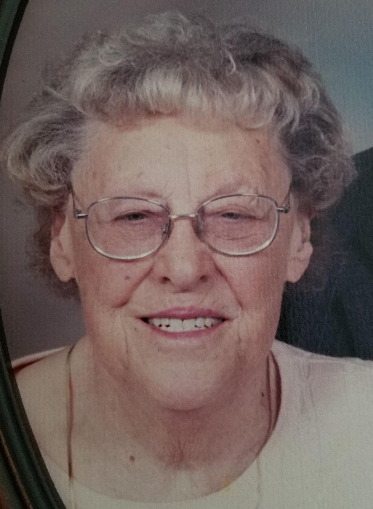 """Genevieve """"Gen"""" Moll, 95, Poynette"""