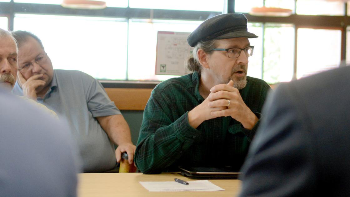 UW-Baraboo panel delays decision to waive residency limitation on citizen seat