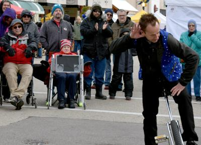 Juggler wows Baraboo Fair on Square crowds for 10 years