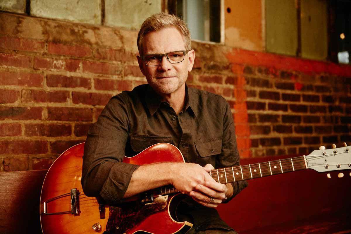 Steven Curtis Chapman brings acoustic approach to Dells appearance