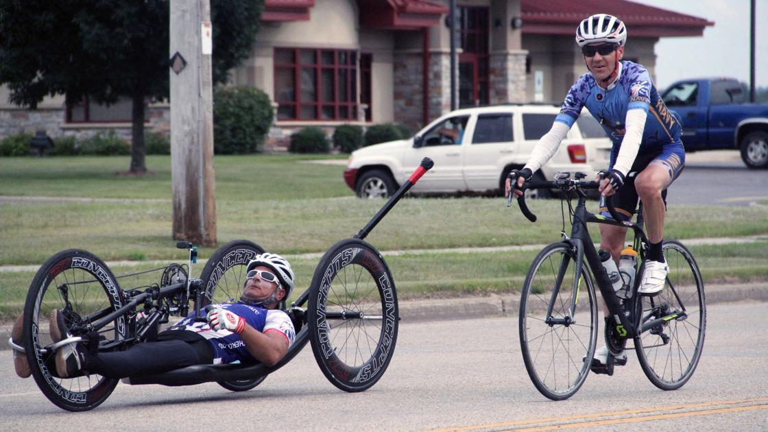 Injured veterans roll through Reedsburg