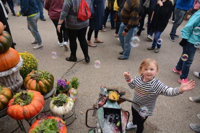 First Night Market draws crowd (copy)
