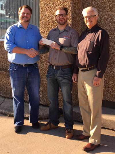 Crawford Oil donates to CASA