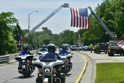 Hundreds line up to pay respects to slain Racine officer (copy)
