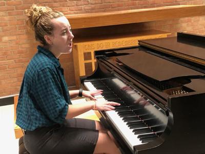 Davis rehearses