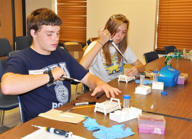 Students become 'Scientists for a Day'