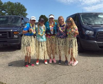 Reedsburg Hawaiian girls golf