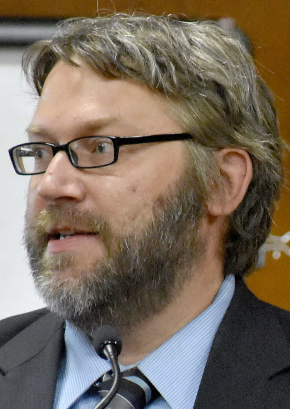 Michael Knutsen testifies in court