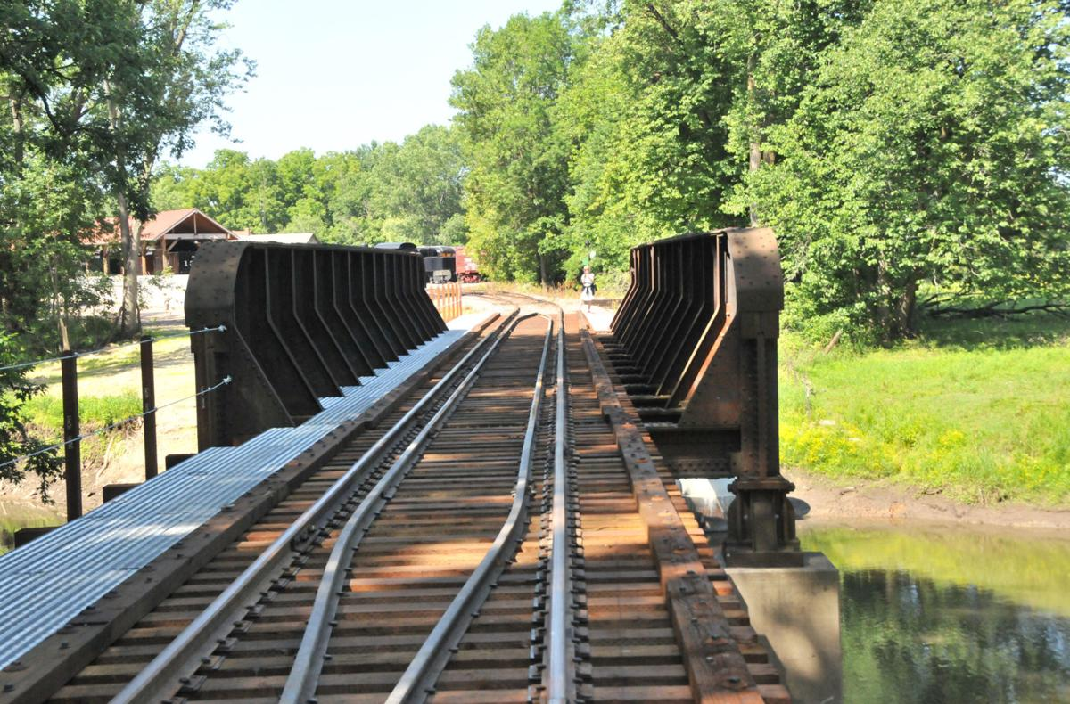Baraboo River rail bridge