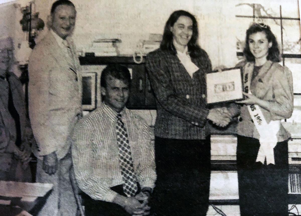1991 Arnie Rahn, Arnie Weihert, Jeremy Wedige, Carol Valley and Miss Golumbus Jeanie Goodnature