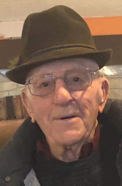 Milton Husslein, 94, Baraboo
