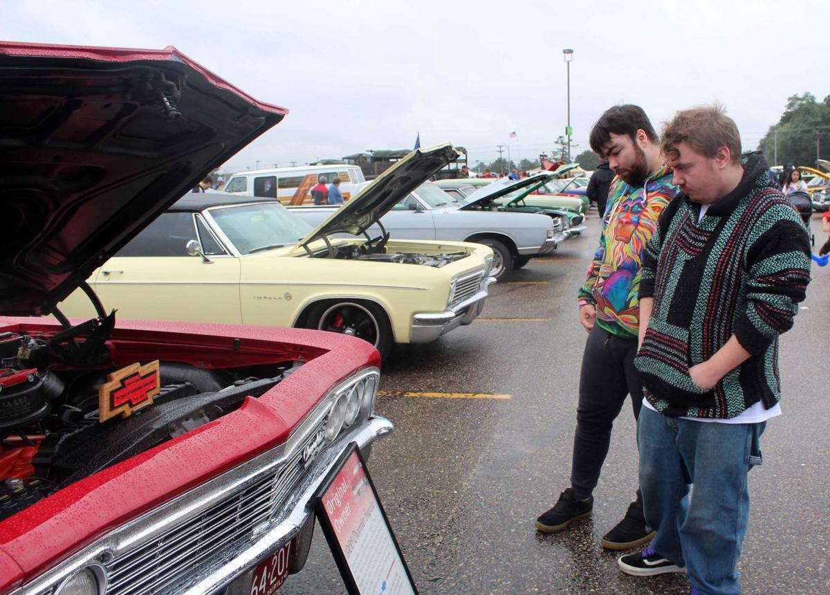 Tim and Nathan look at cars (copy)