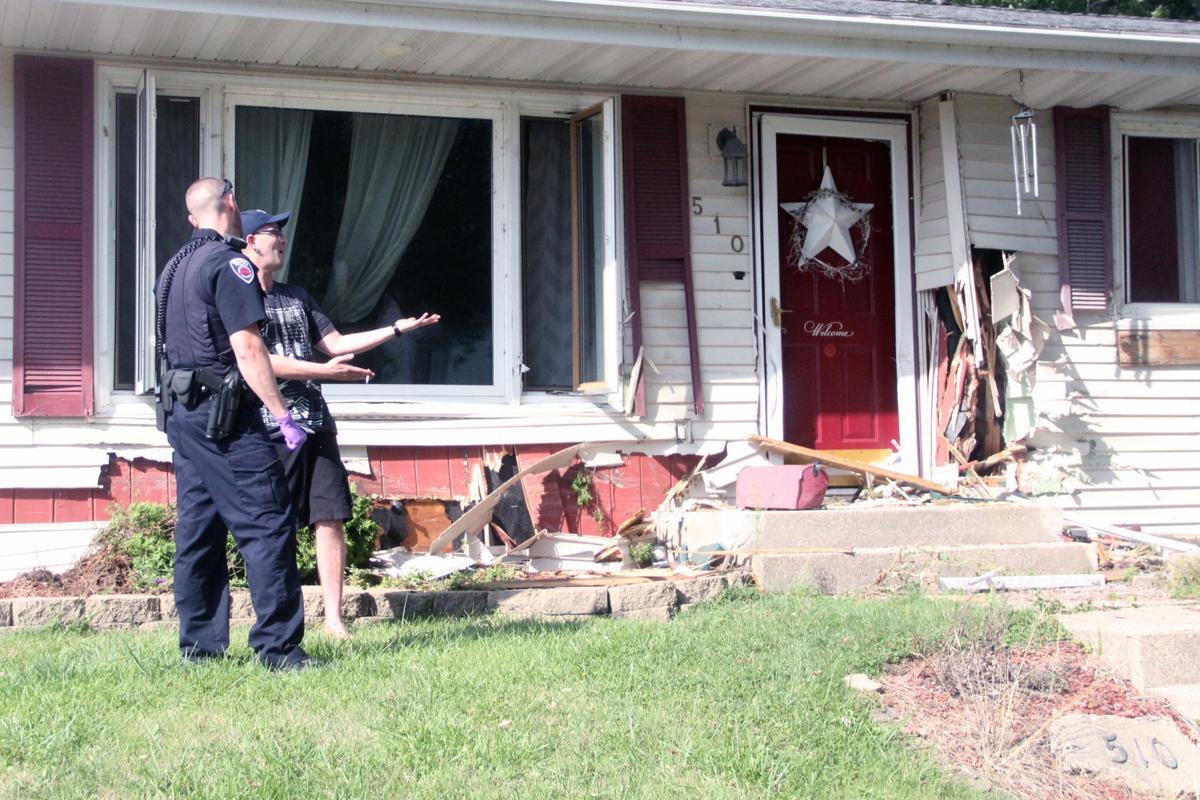 Driver Taken To Hospital After Suv Strikes 2 Reedsburg Homes