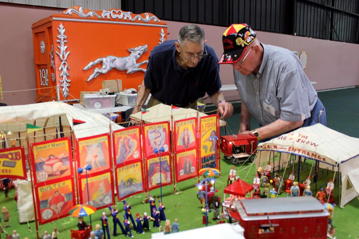 Circus Model Builders Show