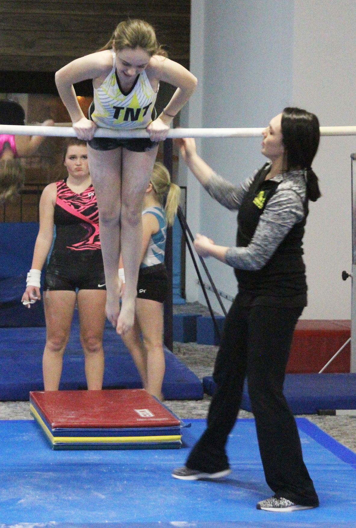 020417-star-news-gymnastics-3