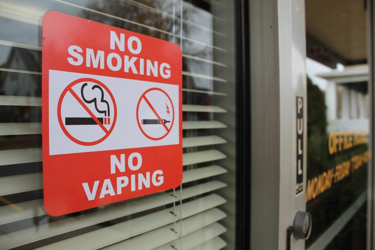 Smoking sign outside Reedsburg City Hall