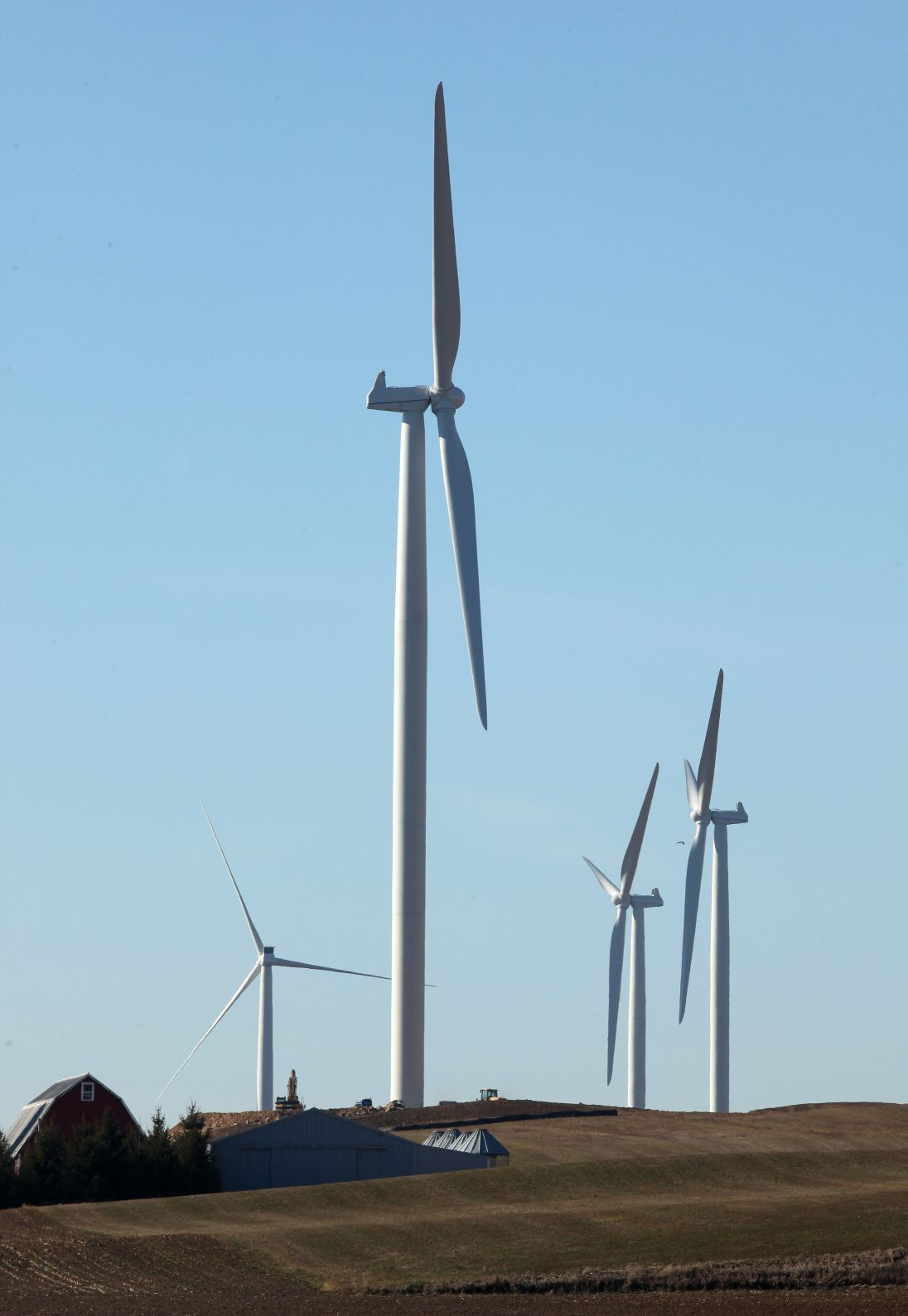 new wind farm pops up along highway 12 residents have mixed