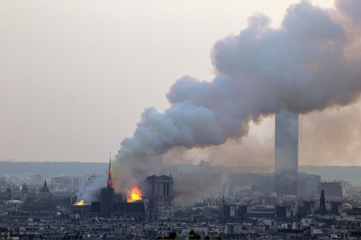 Fire engulfs Notre Dame Cathedral in Paris | World | wiscnews com