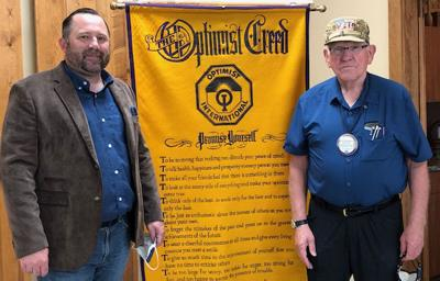 GREEN BERET SPEAKS WITH OPTIMISTS