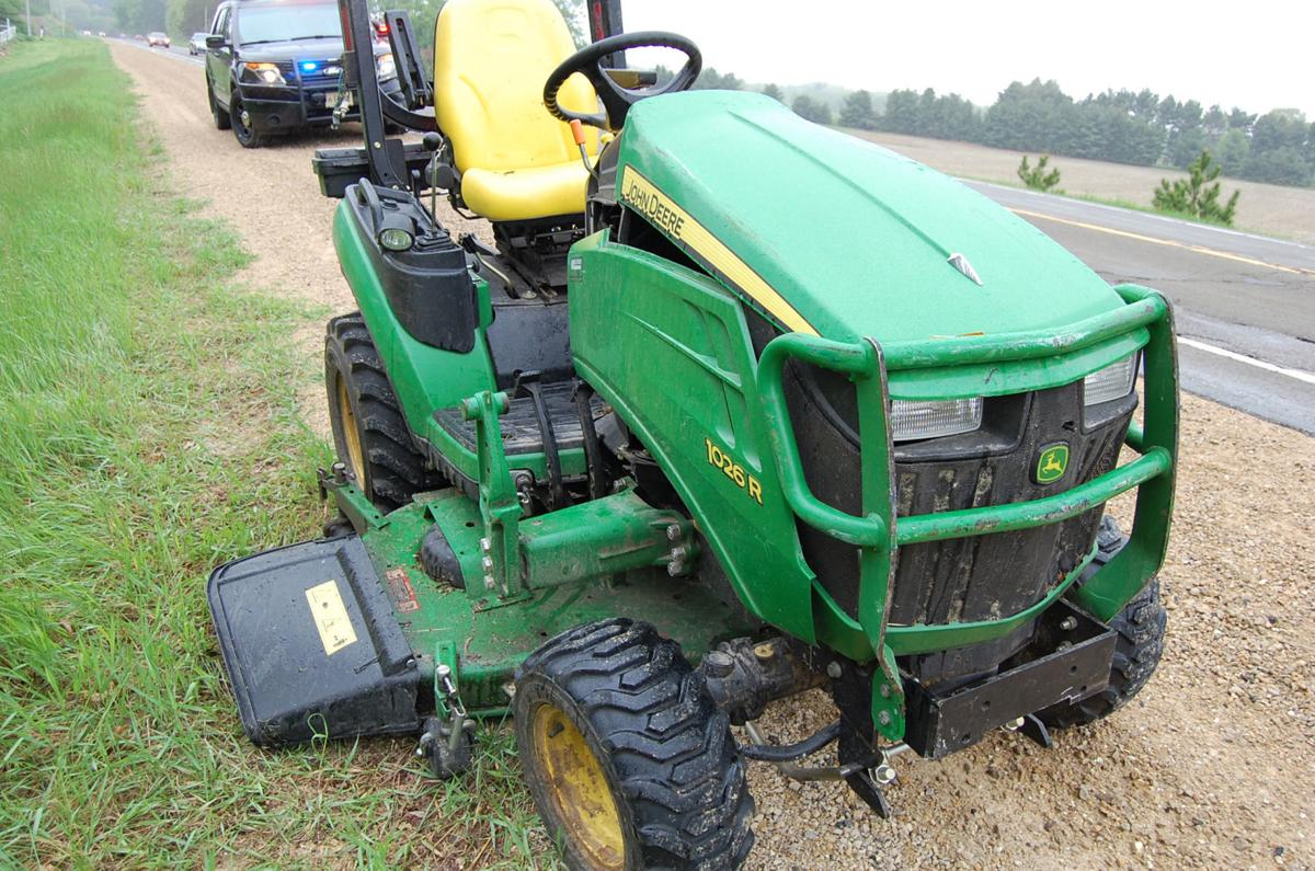 Man On Tractor Lawn Enforcment : Man accused of lawn tractor rampage outside columbus