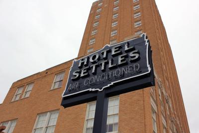 Hotel Settles