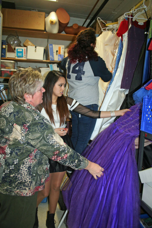Students can find free dresses at school