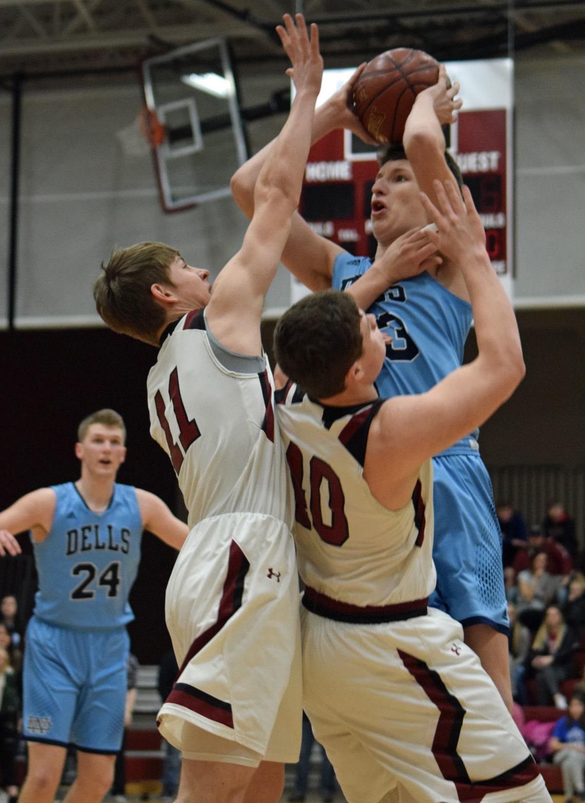 PREP BOYS BASKETBALL: Wisconsin Dells can't cap second comeback attempt in sectional final loss ...
