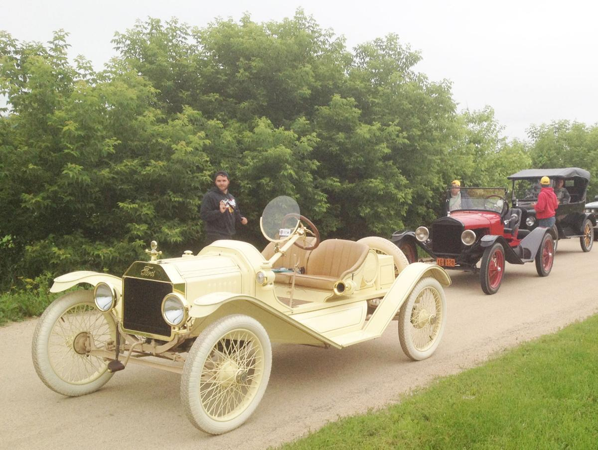 Model t ford speedster rally begins wednesday in portage for Ridge motor inn portage wi
