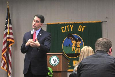 Walker at Portage Chamber luncheon