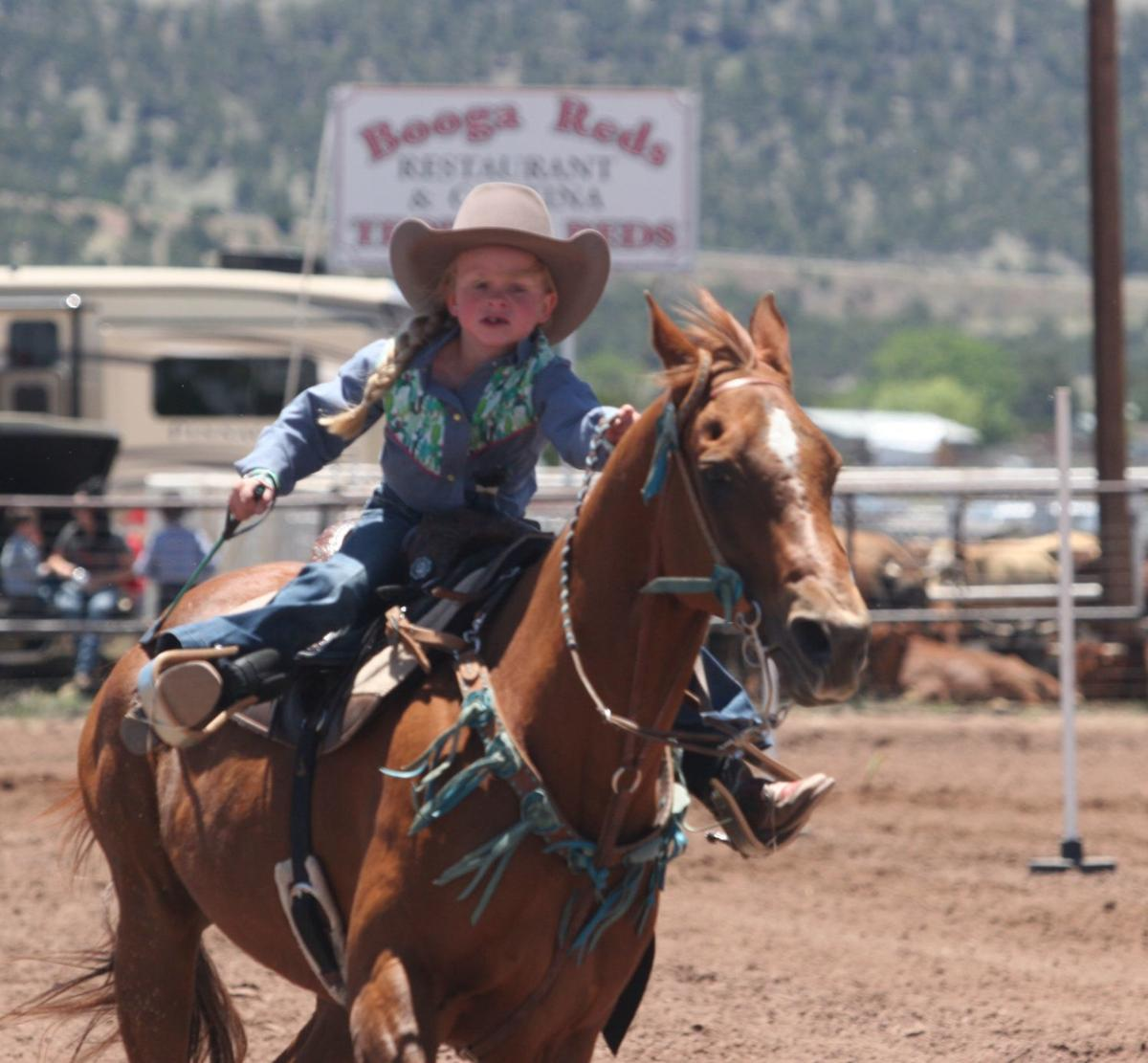 RV Roundup Rodeo - Girl on the home stretch