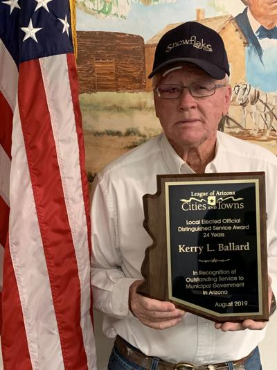 Snowflake's vice mayor recognized for service