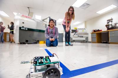 Show Low Library Earns 10 000 In Grants For New Robotics Club