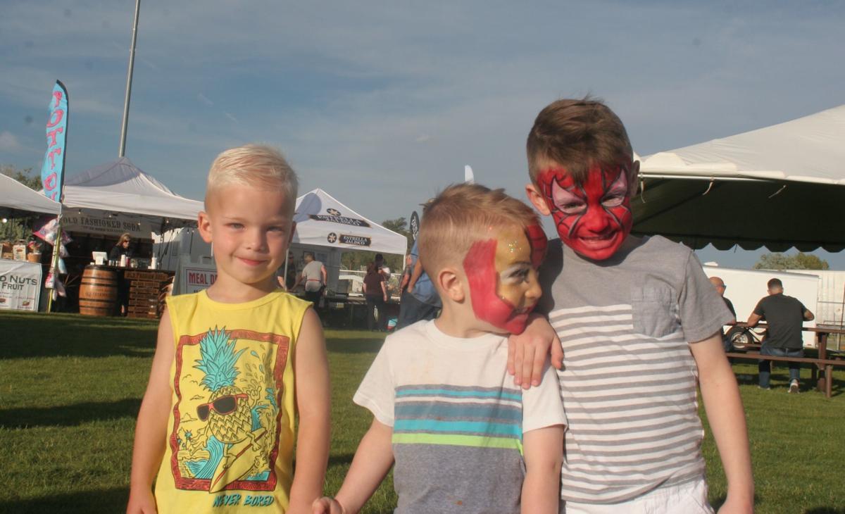 Show Low Days - three kids w/facepaint