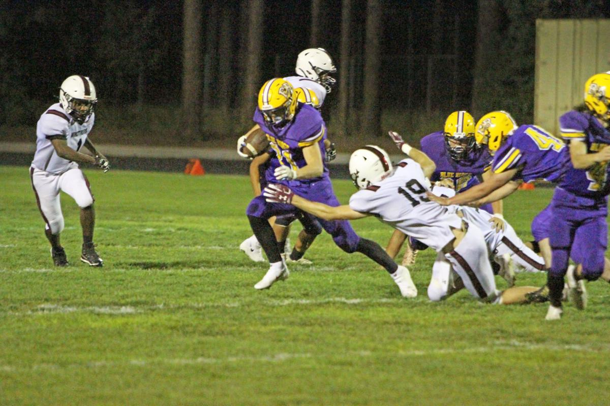 BL Football 21 rushing 4205.JPG