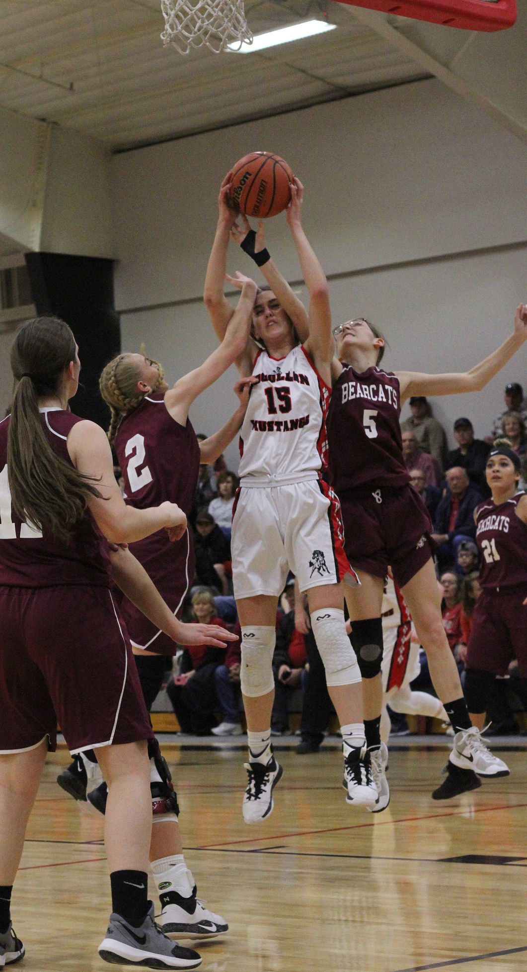 Mustangs trample Bearcats for state tourney berth