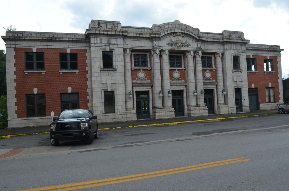 B O Railroad Station Willard Hotel Sit Vacant As Reminders Of Grafton S Past