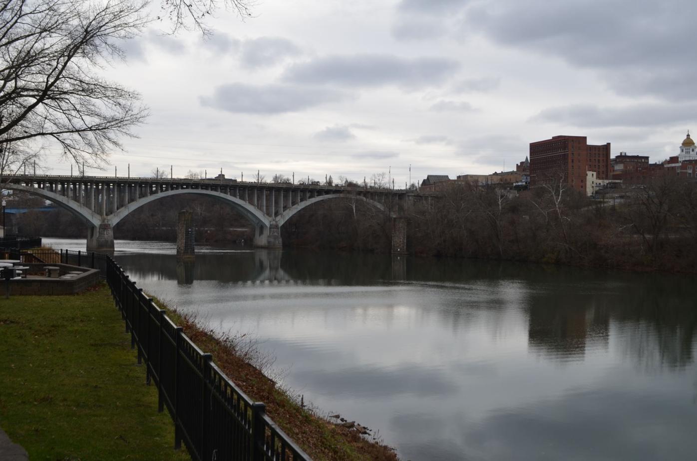 Mon River at Palatine Park
