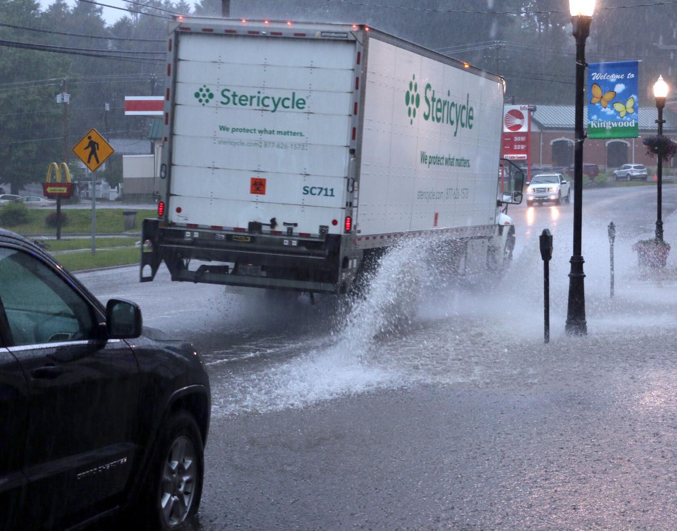 Kingwood sidewalk flooding