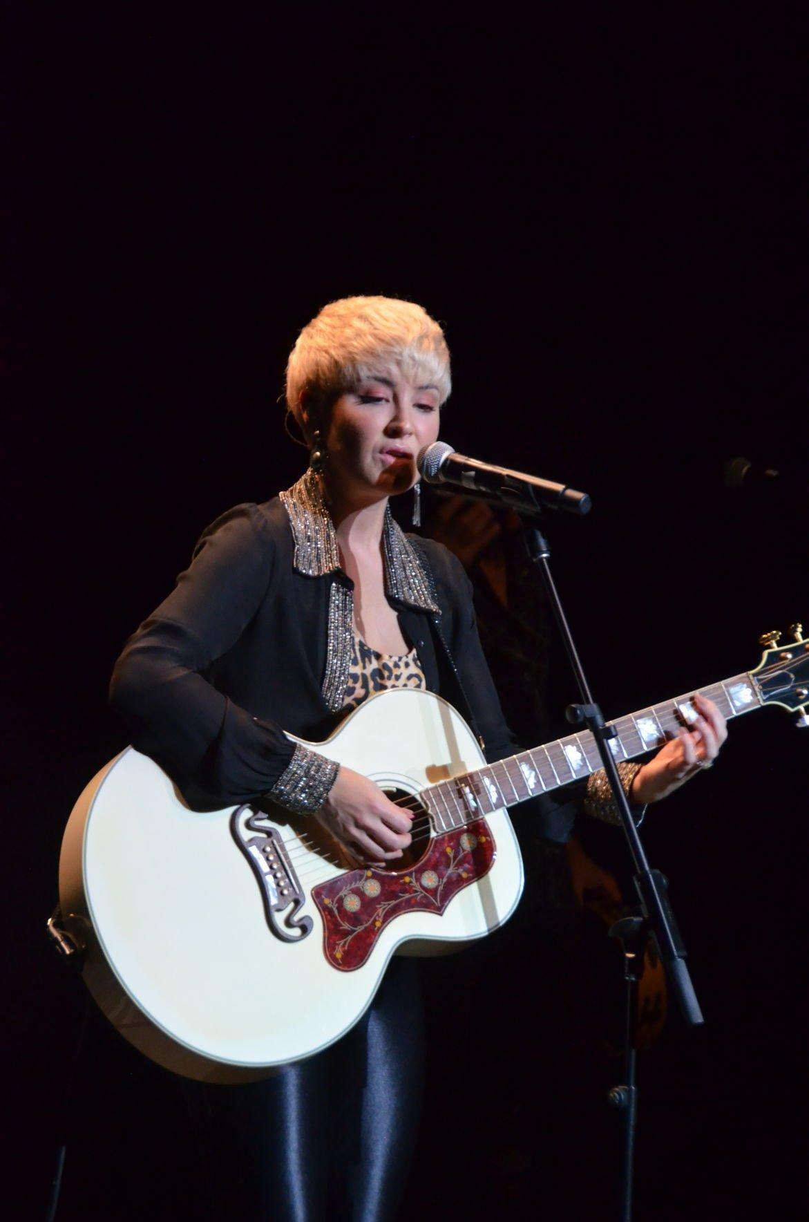 Maggie Rose and guitar